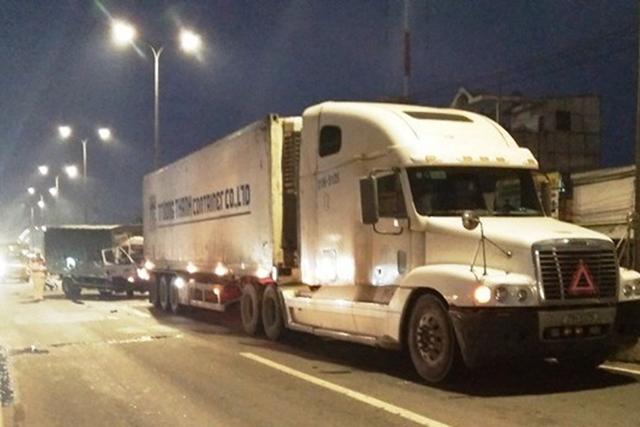 ap-luc-nang-ne-khi-lai-xe-container