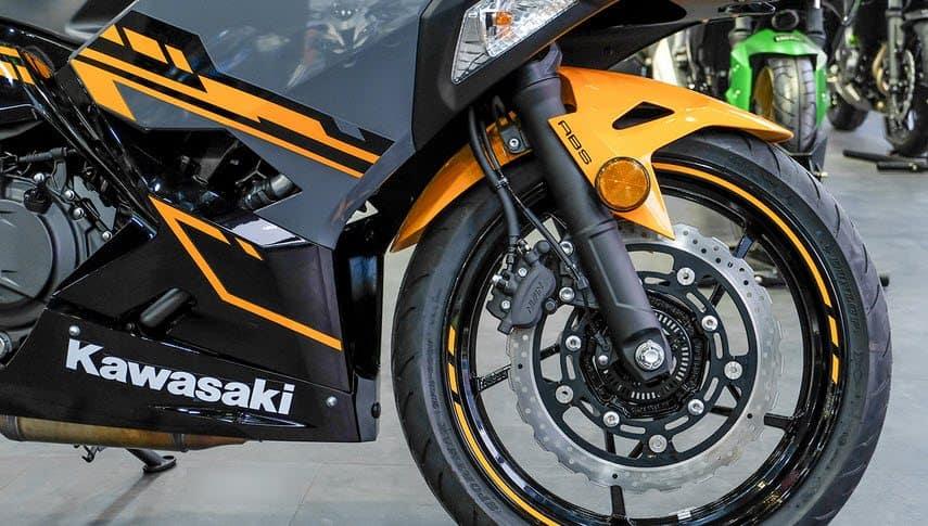 Thông số kỹ thuật Kawasaki Ninja 400