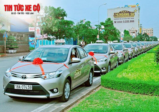 Quý khách có thể gọi đến số tổng đài hotline của Hoàng Sa để đặt xe