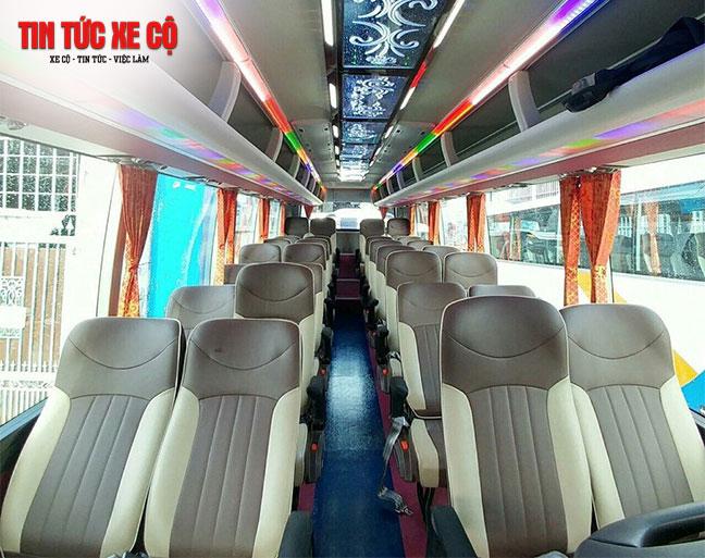 Thiết kế bên trong với hàng ghế rộng rãi mang đến cảm giác thỏa mái cho người ngồi