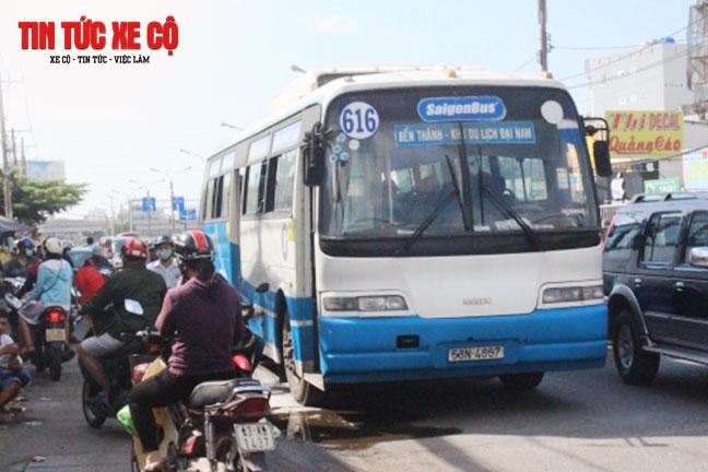Xe bus 616 chuyên vận chuyển hành khách từ Bến Thành đến khu du lịch Đại Nam