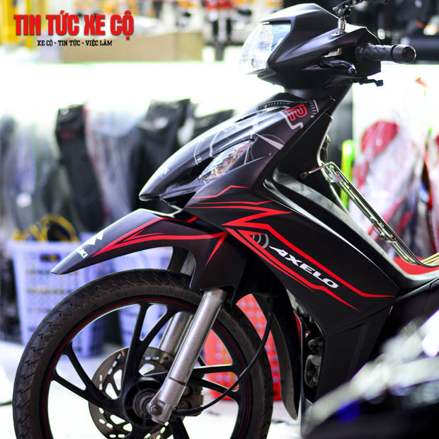 Giá xe Axelo 125 mới nhất tại thị trường xe máy Việt Nam đang được bán với giá 23.990.000 VNĐ